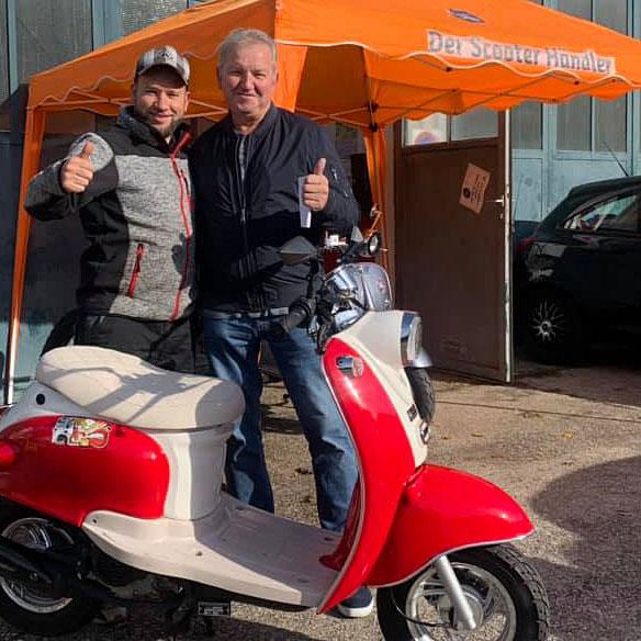 scooterhaendler-heinz-gewinner-preisauschreiben-niederbayernschau