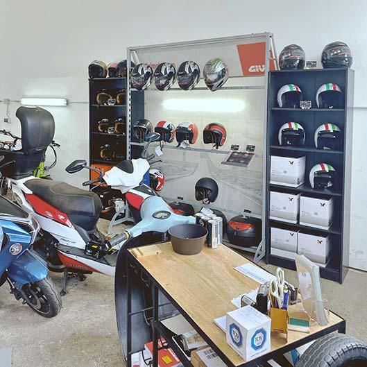 Der Scooter Händler - neuer Showroom